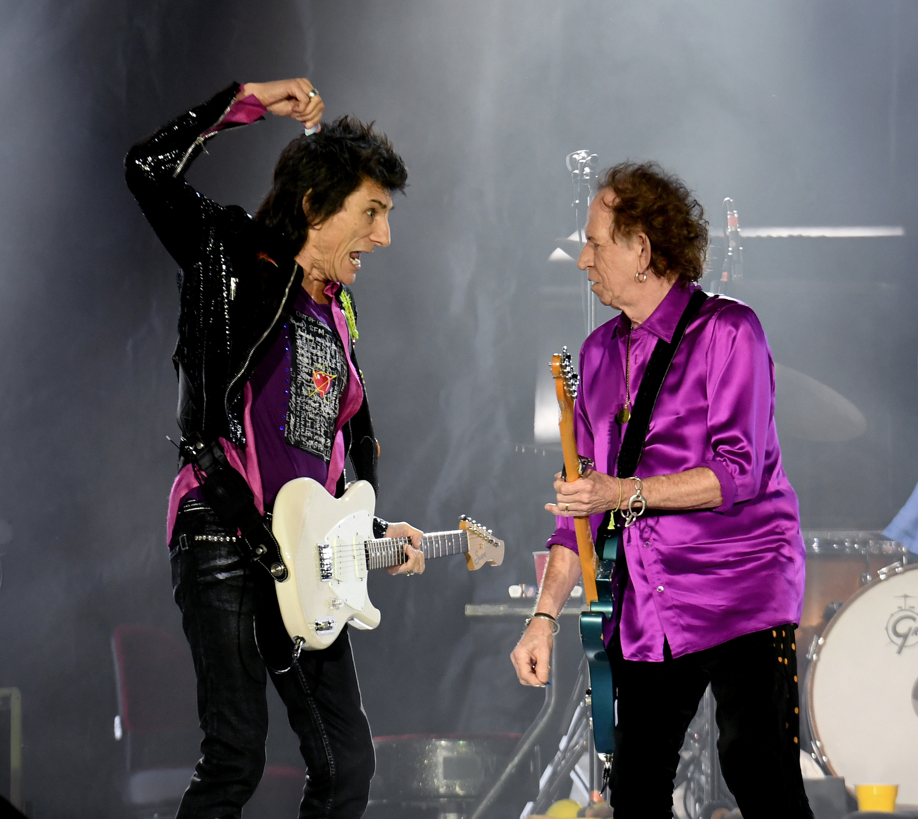 PASADENA, CALIFORNIA - AUGUST 22: Ronnie Wood (L) and Keith Richards of The Rolling Stones perform onstage at Rose Bowl on August 22, 2019 in Pasadena, California. (Photo by Kevin Winter/Getty Images)