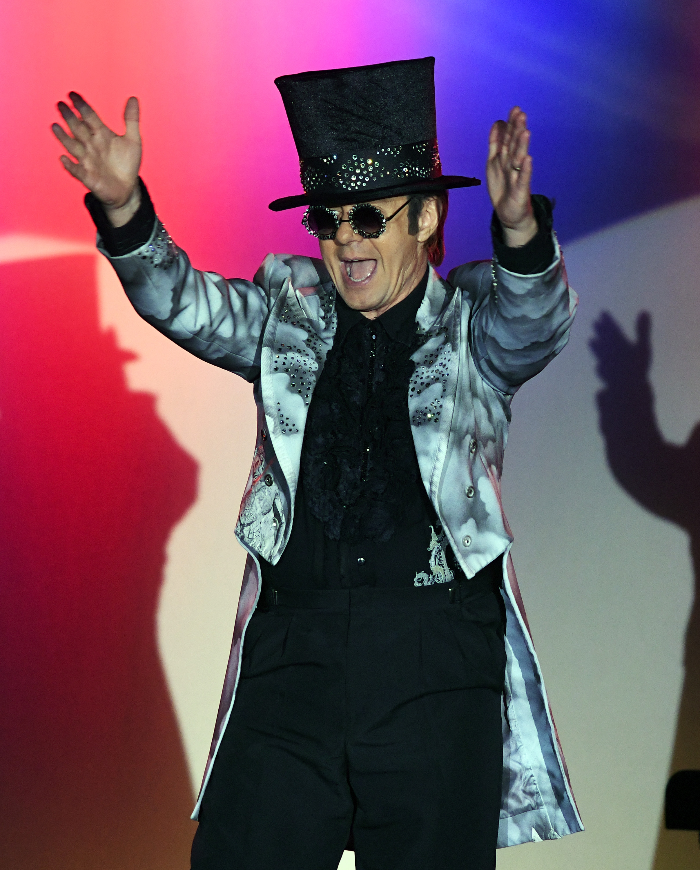 If you thought Slash was the only rock star to perfectly pull off a top hat, you've clearly never seen this photo.