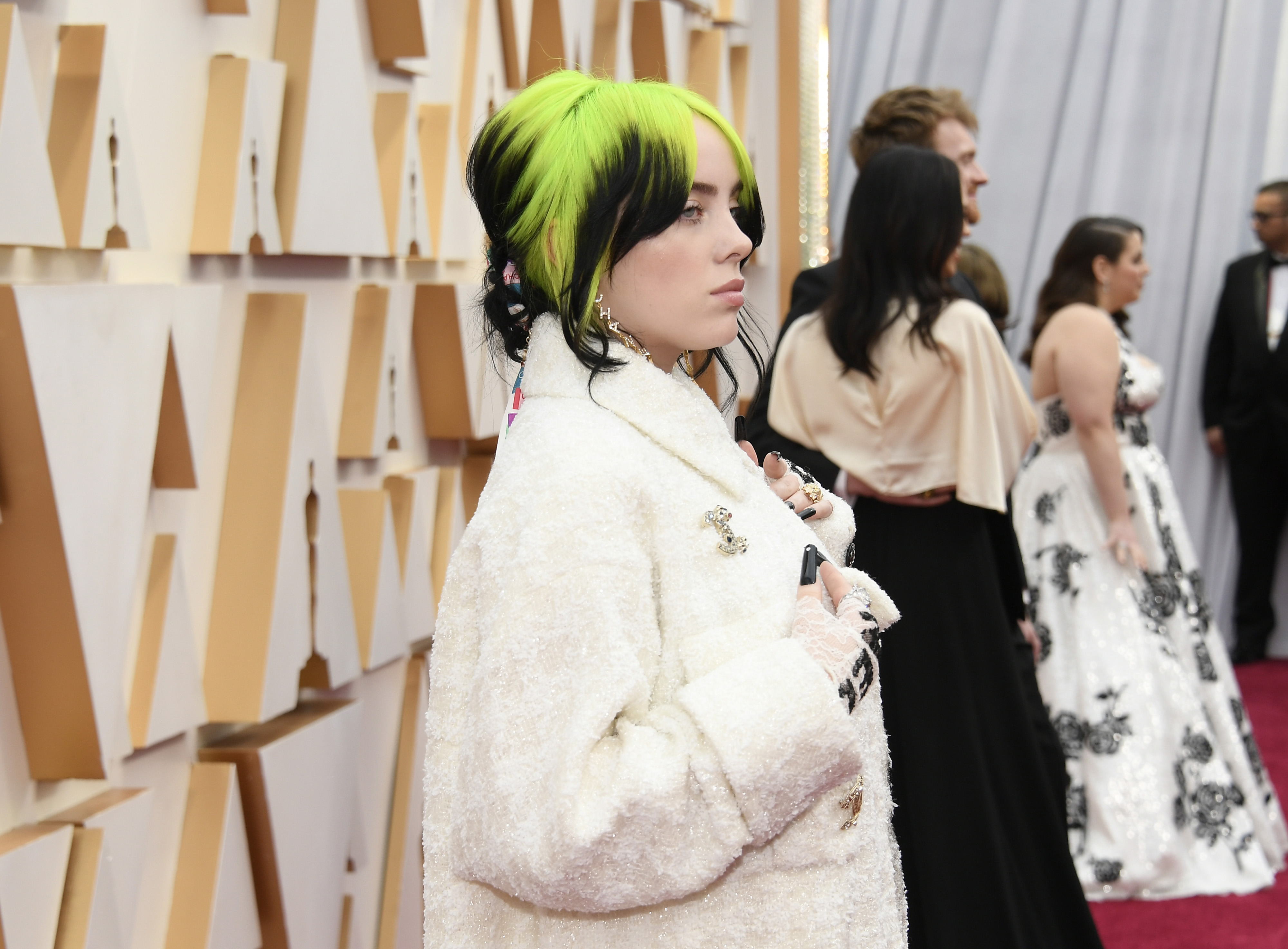 HOLLYWOOD, CALIFORNIA - FEBRUARY 09: Billie Eilish attends the 92nd Annual Academy Awards at Hollywood and Highland on February 09, 2020 in Hollywood, California. (Photo by Kevork Djansezian/Getty Images)