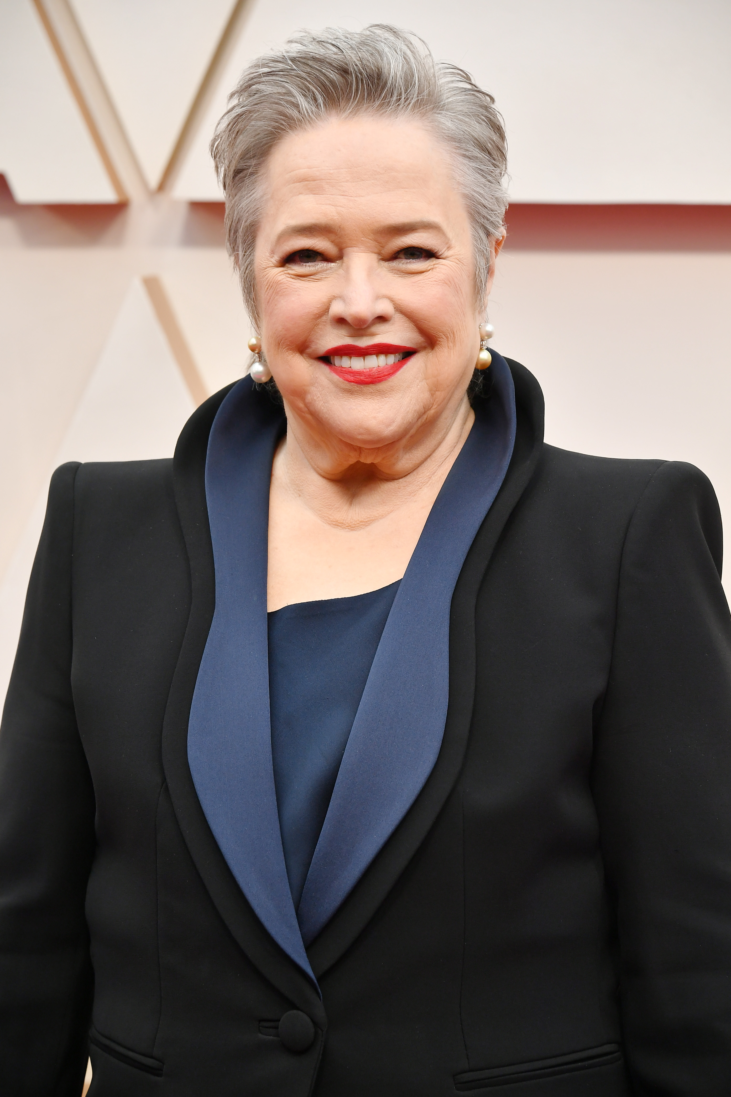 HOLLYWOOD, CALIFORNIA - FEBRUARY 09: Kathy Bates attends the 92nd Annual Academy Awards at Hollywood and Highland on February 09, 2020 in Hollywood, California. (Photo by Amy Sussman/Getty Images)