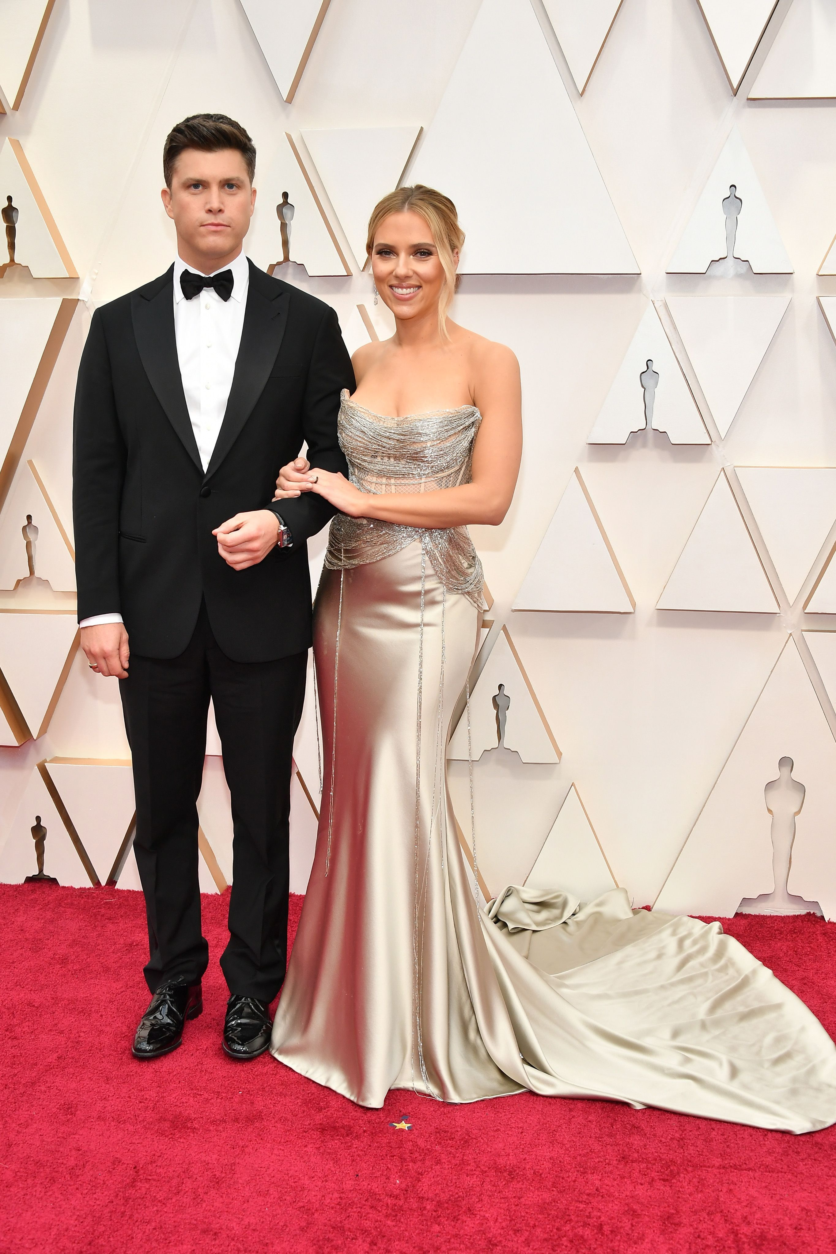 HOLLYWOOD, CALIFORNIA - FEBRUARY 09: (L-R) Colin Jost and  Scarlett Johansson attend the 92nd Annual Academy Awards at Hollywood and Highland on February 09, 2020 in Hollywood, California. (Photo by Amy Sussman/Getty Images)